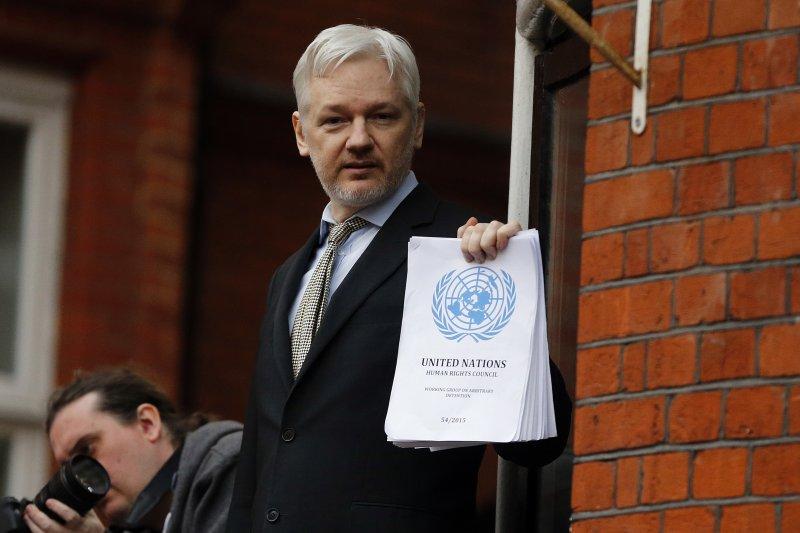 揭密網站「維基解密」創辦人阿桑奇(Julian Assange),攝於厄瓜多大使館(AP)