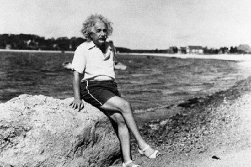 除了道不盡的風流史,愛因斯坦和兩個兒子的互動同樣值得世人省思。(圖/Albert Einstein@Facebook)