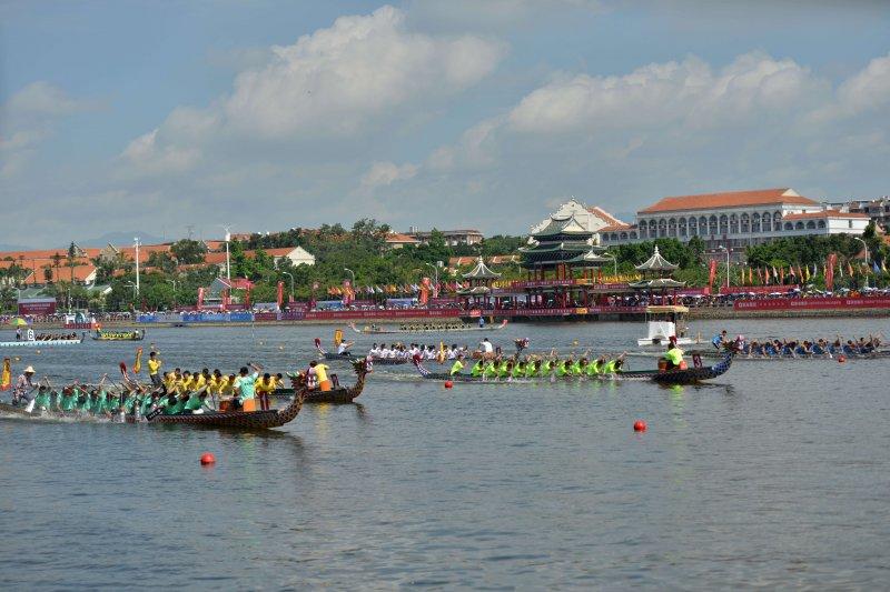 海峽論壇分項活動之一兩岸龍舟賽日前在廈門舉辦(王偉力攝)