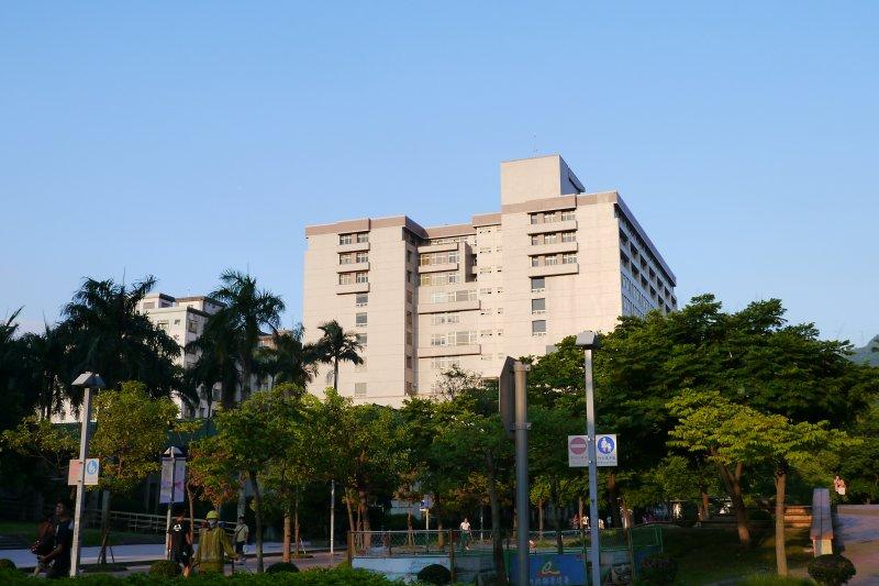 政治大學商學院(Wjck00383@Wikipedia / CC BY-SA 4.0)
