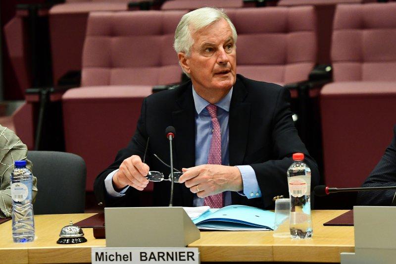 歐盟的首席談判代表巴尼耶19日出席脫歐談判(AP)