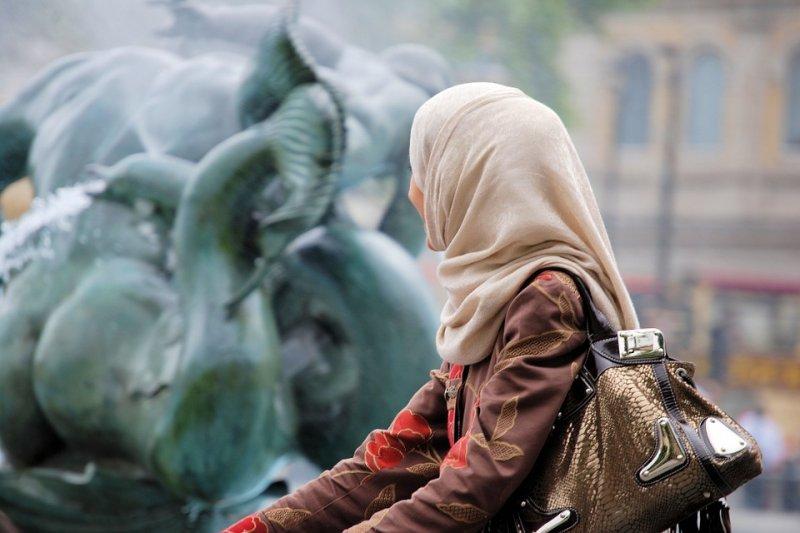 變性人在印尼社會中,仍飽受歧視。(圖/Stevebidmead@pixabay)