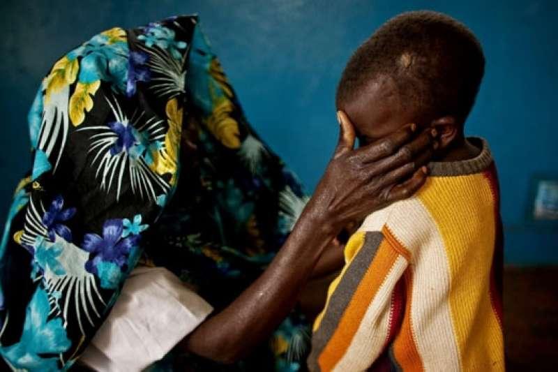 盧安達大屠殺造成80萬人喪生,許多婦女遭強暴懷孕(AP)