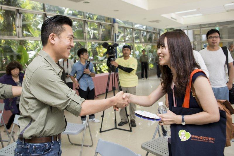 Yumi表示,新竹市政府和動物園團隊「處處考慮到動物感受」,讓她決定飄洋過海、扎根新竹市。〈新竹市立動物園提供〉