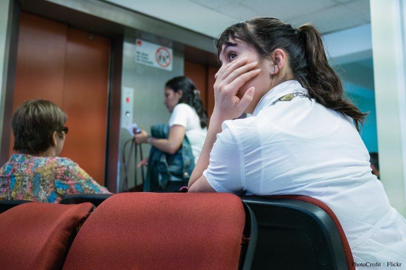 解決在醫院等待時間長的問題,Outcome Health的商業模式讓醫生、病患及藥廠都成為贏家。(圖/Francisco Osorio@Flickr)