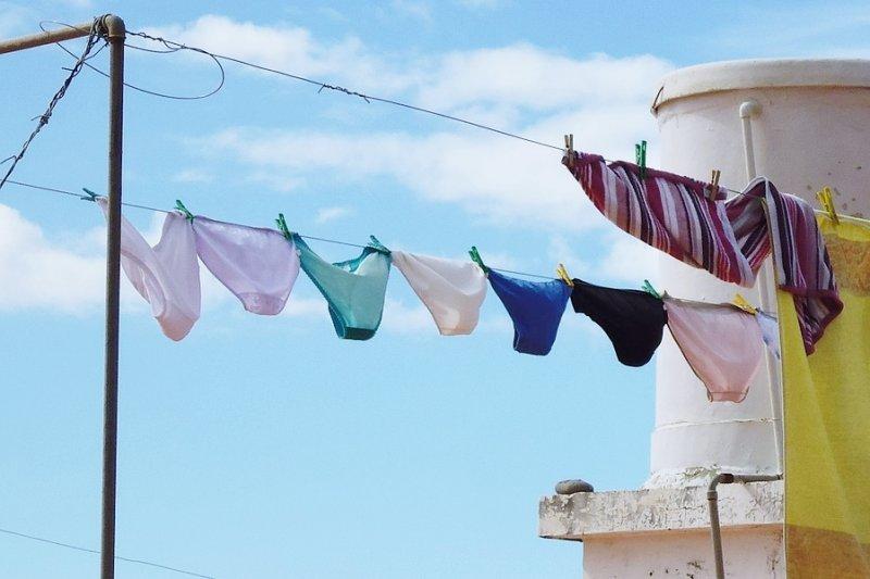 一提到內褲,女性可說是掌握了主導權,管理丈夫與孩子的內褲是妻子的責任...(圖/378383@pixabay)