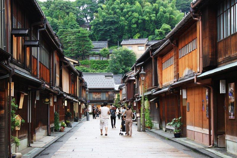 暑假旺季不想在大阪人擠人?來去金澤探索秘境!(圖/Andrea Schaffer@flickr)