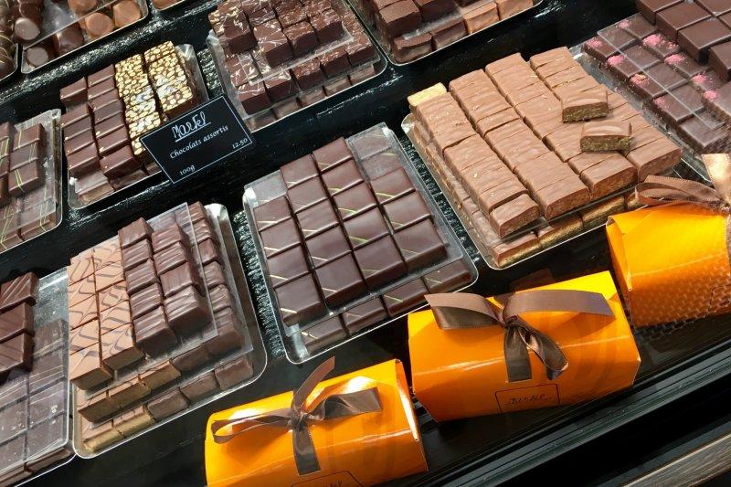 瑞士的巧克力非常適合拿來當伴手禮。(圖/樂木文化提供)