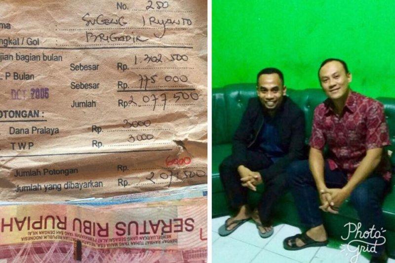 印尼高職老師巴德倫(左)11年前撿到警員蘇甘(右)的薪水袋,多年來他一直試圖尋找失主,近日終於連繫上蘇甘歸還薪水袋。(取自Sugeng Iryanto臉書)