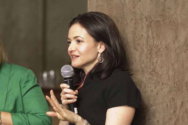 臉書營運長Sheryl Sandberg鼓勵年輕人不要太拘泥於生涯規畫。(圖/Drew Altizer@flickr)