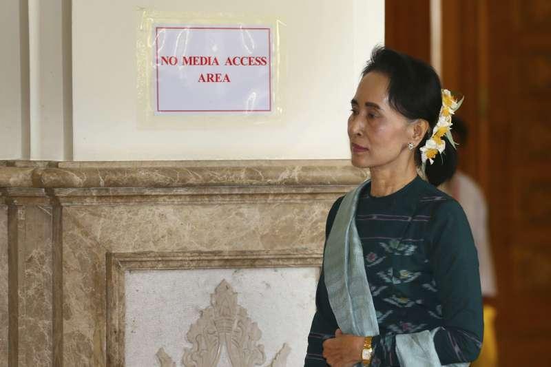 緬甸軍隊與羅興亞叛軍的衝突升溫,翁山蘇姬稱叛軍是恐怖份子。(美聯社)