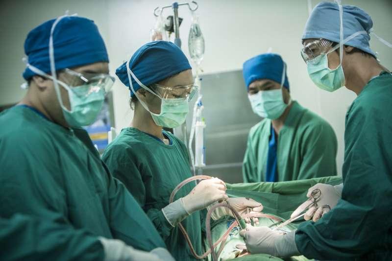 公視《麻醉風暴2》將繼續以寫實的風格,探討醫療體系面對的種種問題。(圖/公視提供)