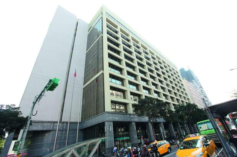 志清大樓被認定為國有財產,救國團不但要還地,還要追繳租金。(郭晉瑋攝)