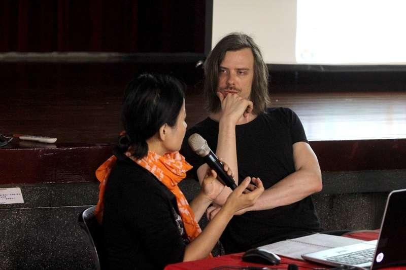 比利時新銳漫畫家布雷希特.艾文仕受邀來台分享創作經驗。(圖/台中國際動漫博覽會粉絲專頁)