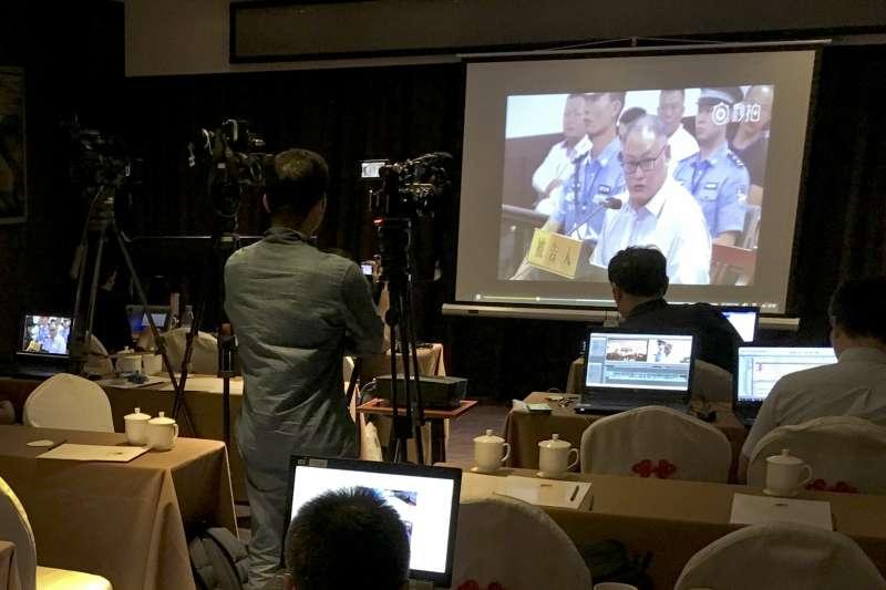 2017年9月11日,台灣非政府組織工作者李明哲在中國湖南省岳陽市中級人民法院受審,國際媒體高度關注。(AP)