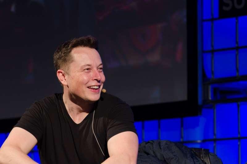 現實版的「鋼鐵人」Elon Musk在創辦Tesla之前,也經歷過多次的失敗考驗...(圖/Heisenberg Media@flickr)