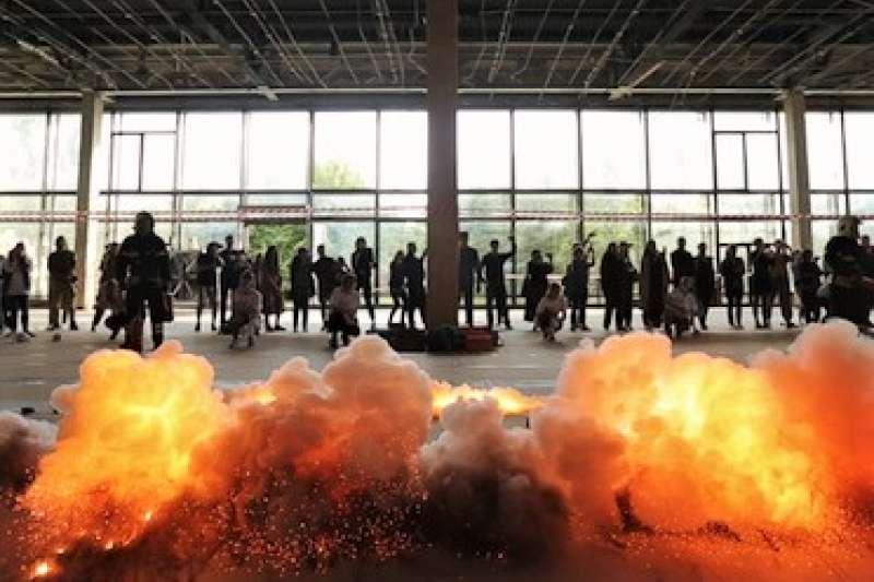蔡國強在普希金國家藝術博物館,舉行他在俄羅斯的首次大型個展,展出多項重量級作品及現場創作。(圖/澎湃新聞提供)