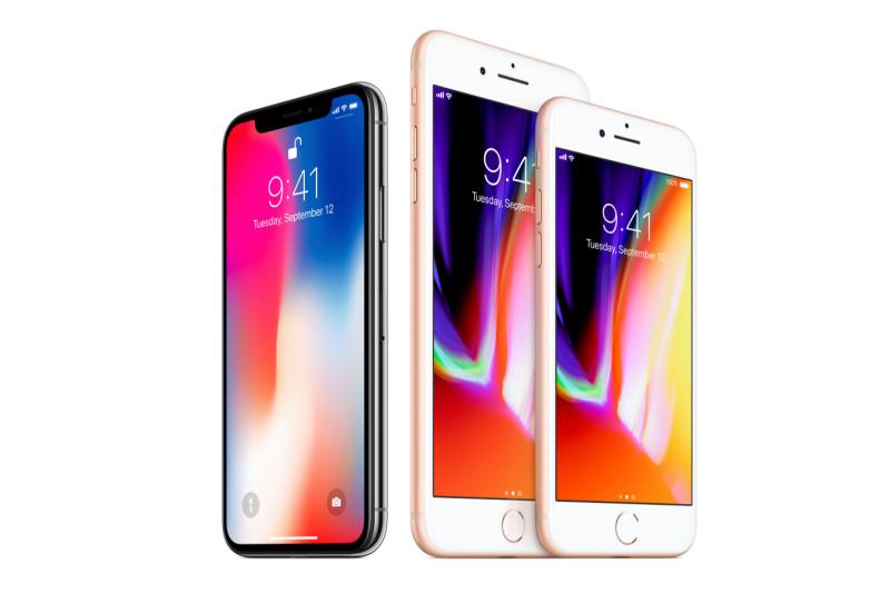 iPhone 8與iPhone X。(蘋果官網)