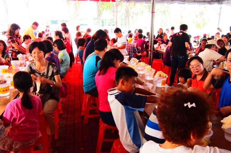 高市府歡迎民眾雙十連假參與洗愛玉活動。(圖/高市府原民會提供)