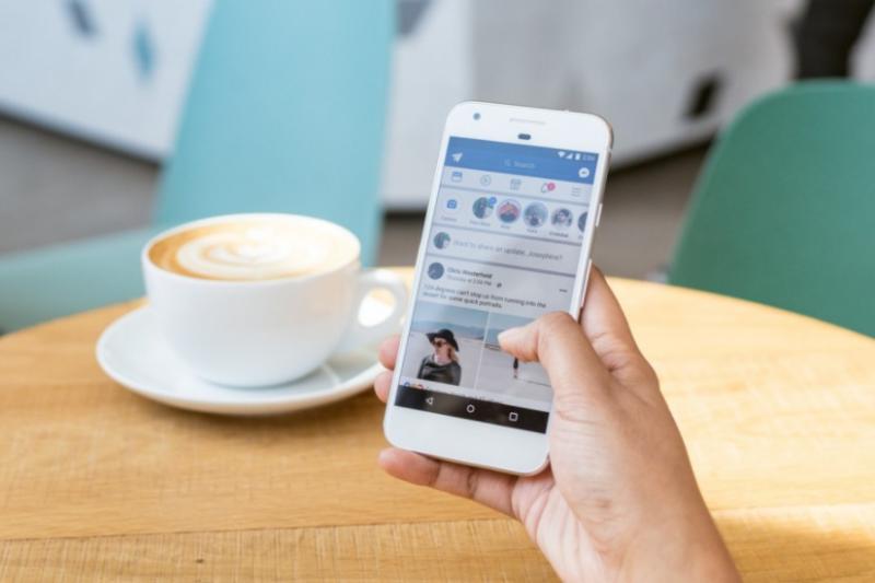 臉書又有新規定,希望透過縮限能下廣告的內容,減少不當貼文的傳播。(圖/數位時代提供)
