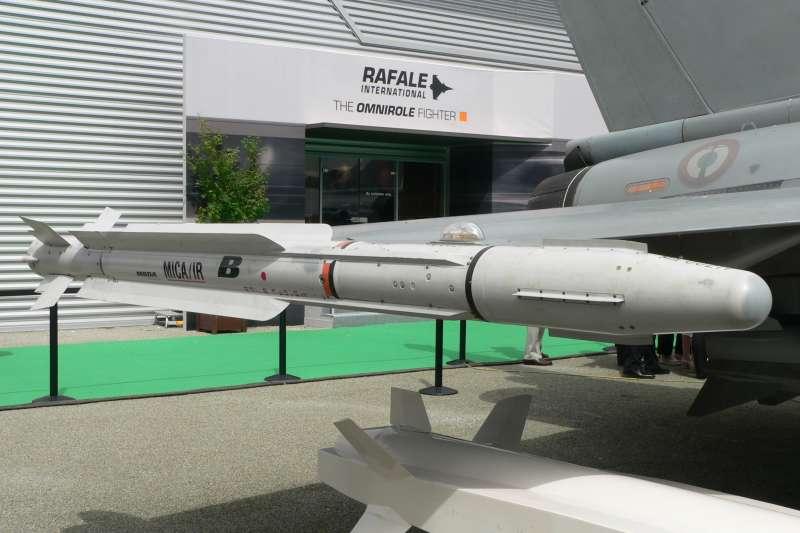 空軍當年在1992年向法國採購60架幻象2000-5型戰機,同時採購了高達480枚雲母中程空對空飛彈。(取自David Monniaux@Wikipedia / CC BY-SA 3.0)