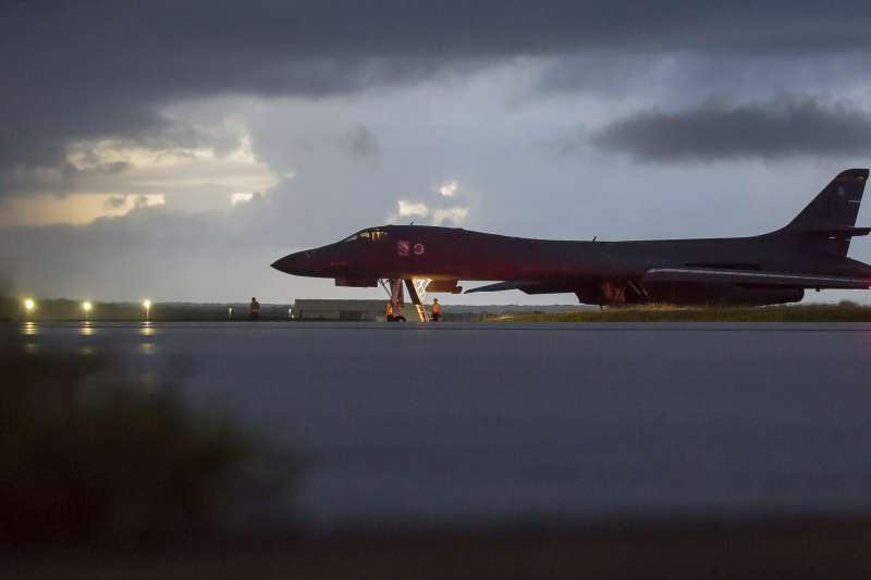 美軍轟炸機靠近北韓威嚇(AP)