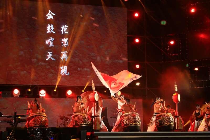 國慶晚會,九天民俗技藝團表演。(台中市政府提供)