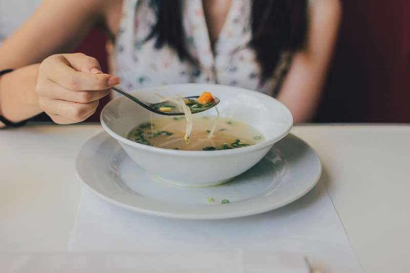 荷蘭人務實踏實、與水爭地節約性格,就由一碗湯展露無遺。(示意圖非本人/Pexels@pixabay)