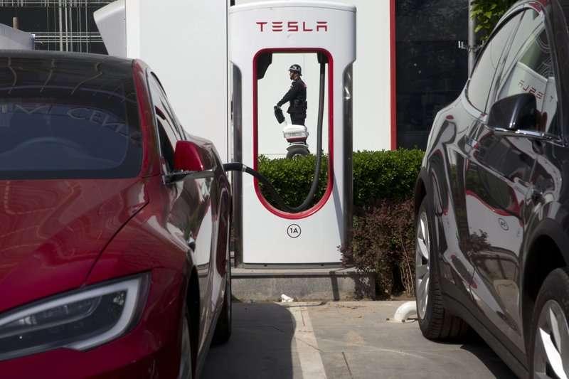 推行零燃油車計畫,電動車市場看漲。(美聯社)