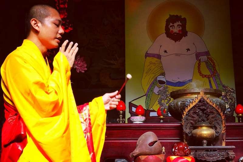 2017-10-15-周能安2016年於微遠虎山生態村,舉行劇場法會「進劇場菩薩摩訶薩」。(周能安提供,單澄茵攝)