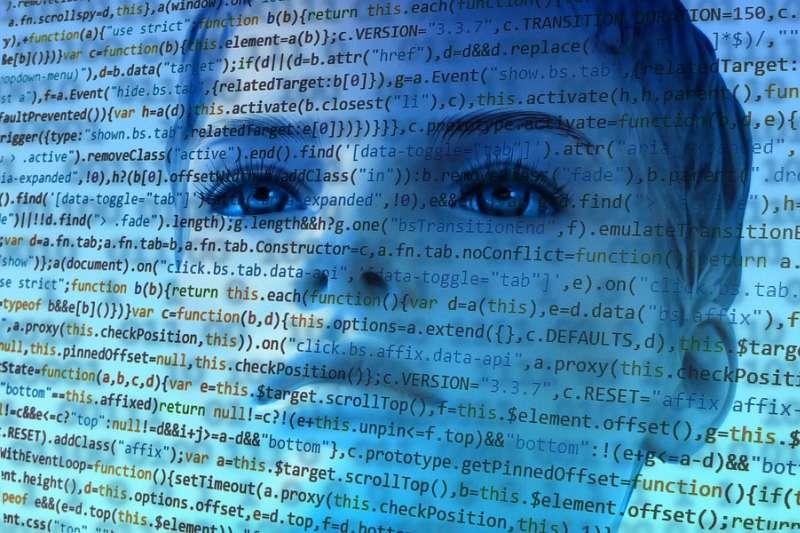 人工智慧的發展日新月異,許多人都感到備受威脅。但事實上,與其憂心被取代,我們或許更該關心科技巨頭的發展。(圖/pixabay)