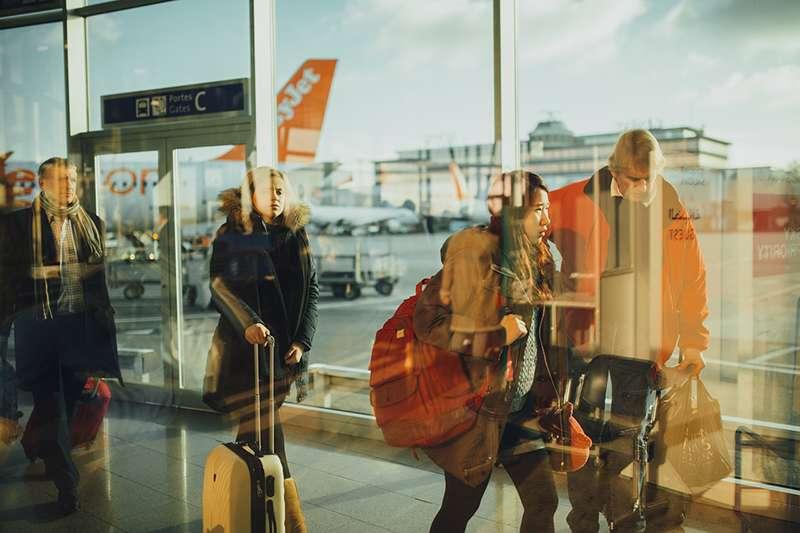 旅行前得挑選適合自己的行李箱,才能讓旅途更順遂。(圖/Pixabay)