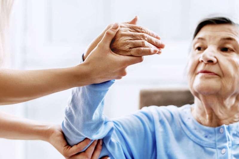 腦中風病患住院資料,10%在院死亡,25%臥床或坐輪椅,65%出院後仍可有獨立行動能力,但或多或少仍殘留有神經之後遺症。