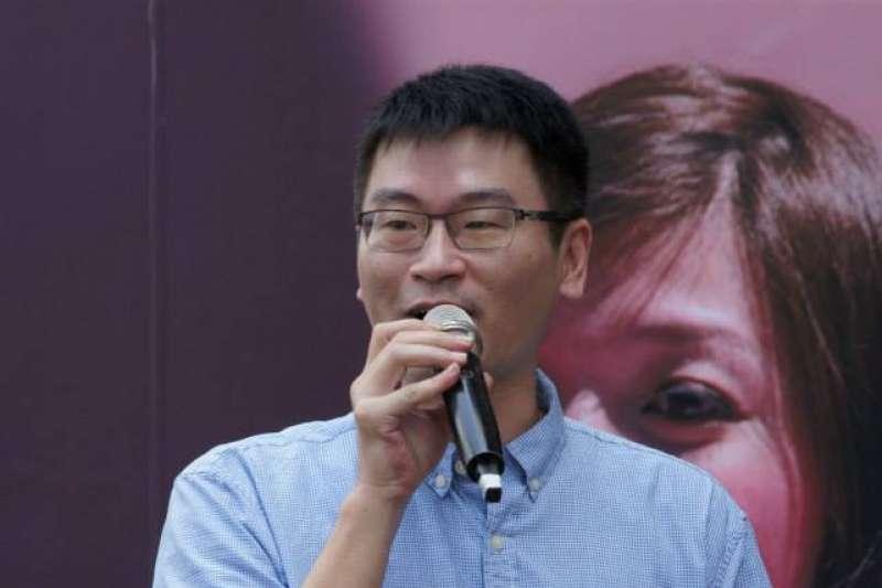 台北市議員梁文傑今(3)日在議會上表示,「我認為遠雄想落跑,現在等北市解約。」(取自梁文傑臉書)