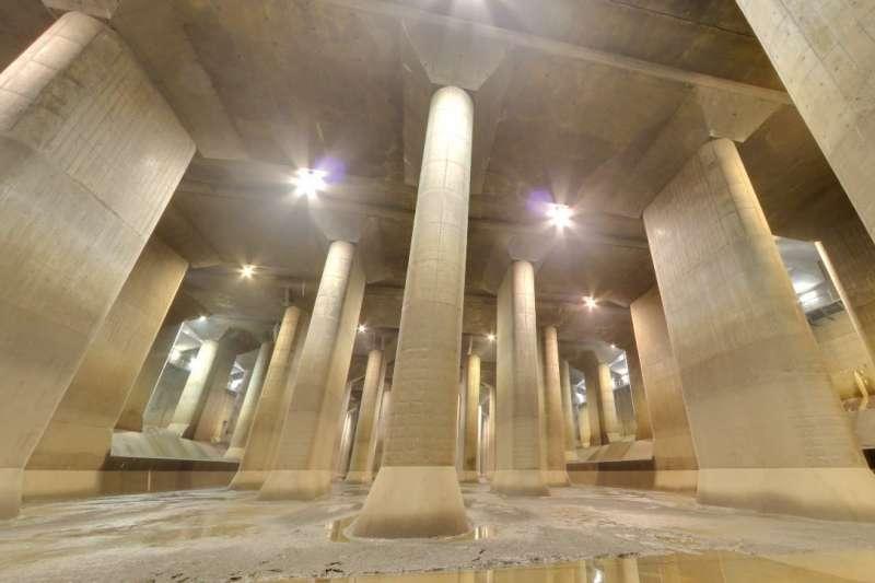 東京的防洪地下神殿,首都圈外郭放水路。(截圖自google)