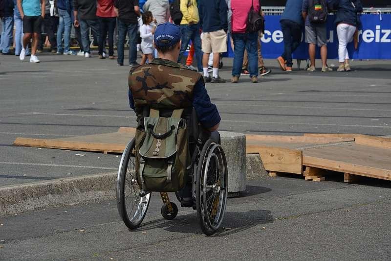 作者認為,若有一個讓障礙者能夠舒適且與一般人相同的環境,就不需要價格上的優惠。(圖/931527@pixabay)