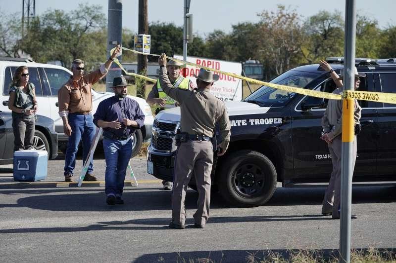 美國德州一間浸信會教堂5日中午發生死傷慘重的槍擊案。(美聯社)