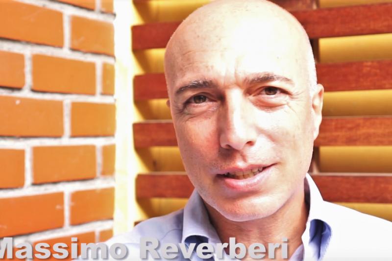 Massimo Reverberi認為昆蟲食品的益處非常多,希望在中國開發出口味、外觀上吸引人的產品,讓人們更易接受食用昆蟲。(圖/截自Bugsolutely Youtube)