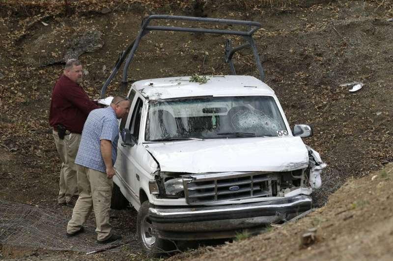 加州蒂哈馬郡槍擊案中,由槍手駕駛的白色福特皮卡。(美聯社)