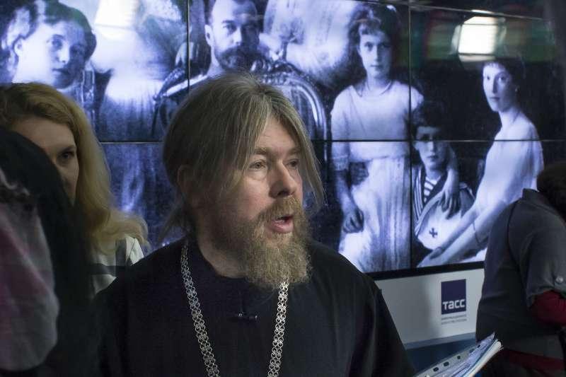 俄罗斯东正教主教舍夫库诺夫(Tikhon Shevkunov)着手调查沙皇尼古拉二世及家人的死亡真相。(美联社)