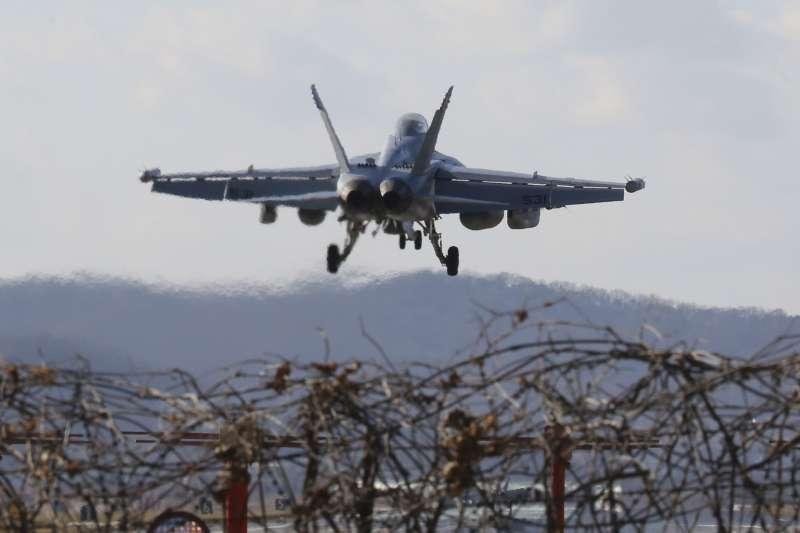 2017年12月4日,美軍EA-18G咆哮者(EA-18G Growler)戰機參加「警戒王牌」(Vigilant Ace)美韓聯合軍演(AP)