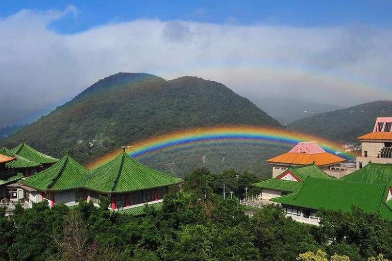 這道彩虹出現了9小時,或打破世界紀錄。(BBC中文網)