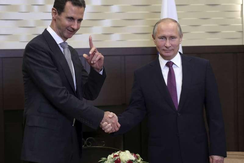 伊斯蘭國(IS):俄羅斯總統普京(右)與敘利亞總統阿塞德(AP)
