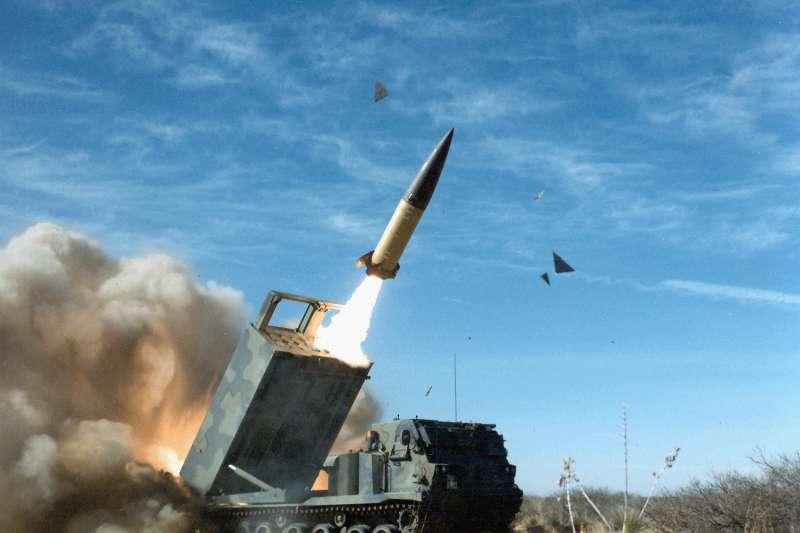 軍方知情人士表示,美國不可能同意售台ATACMS精準導彈系統,因為其攻擊性太過強大,因此軍方已決定由中科院自行研發。(取自US Federal Government@Wikipedia)