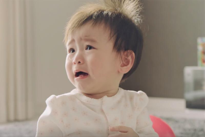 專家列出3大不良育兒方式:不會建立原則、孤立無援;充滿內疚、想要補償孩子、想和孩子做朋友的討好型家長。(圖/KaoJapan@youtube)