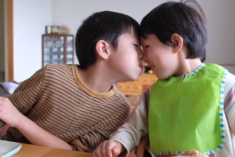 3-6歲的「性蕾期」讓孩子開始對男生與女生的身體不同,充滿了好奇心。(示意圖/翻攝自youtube)