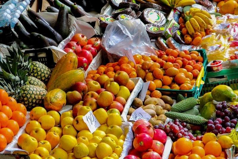有時候水果明明看起來很漂亮,但買來就是難吃!水果攤老闆分享挑果秘訣,學會下次買果不踩雷!(圖/pixabay)