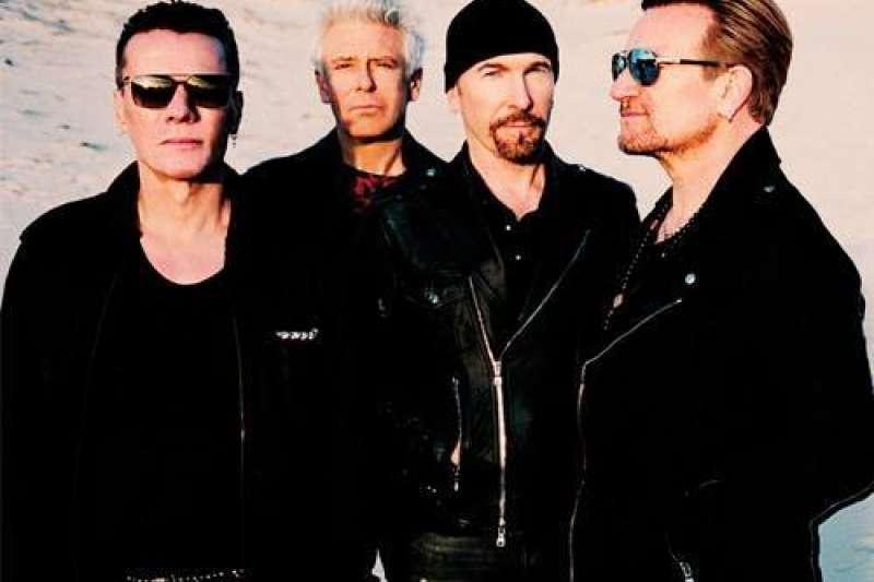 知名愛爾蘭搖滾樂團U2主唱。(取自官方臉書)