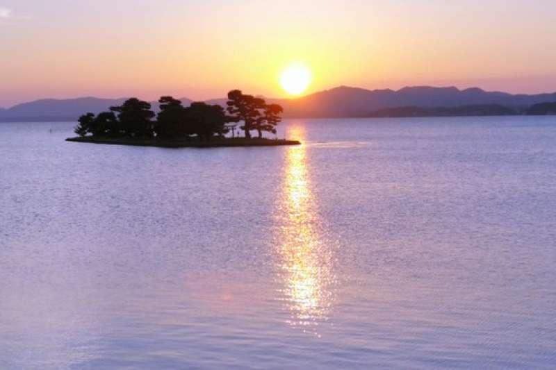 島根縣東部地區的訪日客人數增長情形可觀。圖為宍道湖的夕陽。(圖/潮日本提供)
