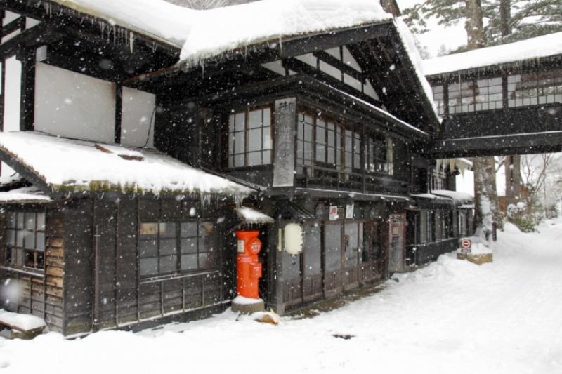 日本冬季旅遊必去的「5大絕景」,讓人彷彿置身銀白世界。(圖/Zekkei Japan提供)